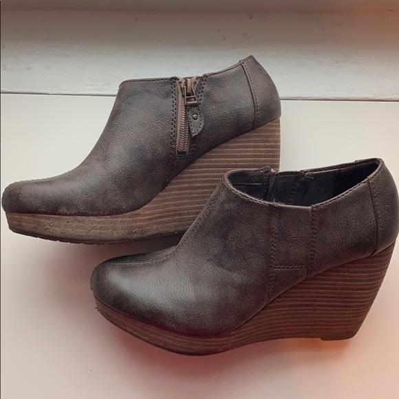 a06d21459c5 Dr. Scholl s Shoes - Brown Dr. Scholl s Harlie Bootie   Shootie